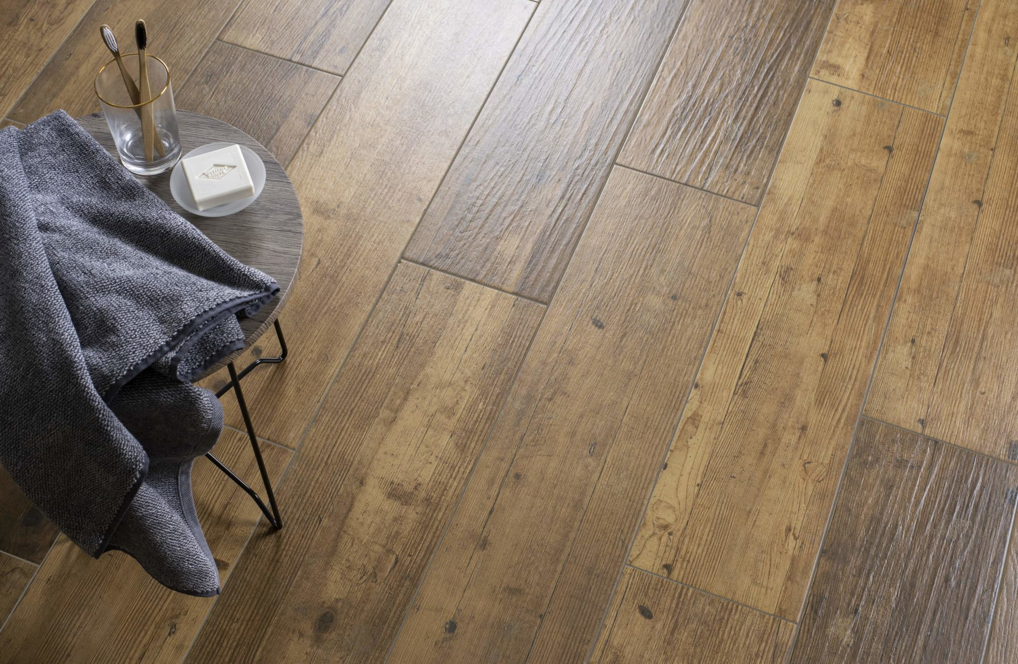 Laminate flooring with underfloor heating