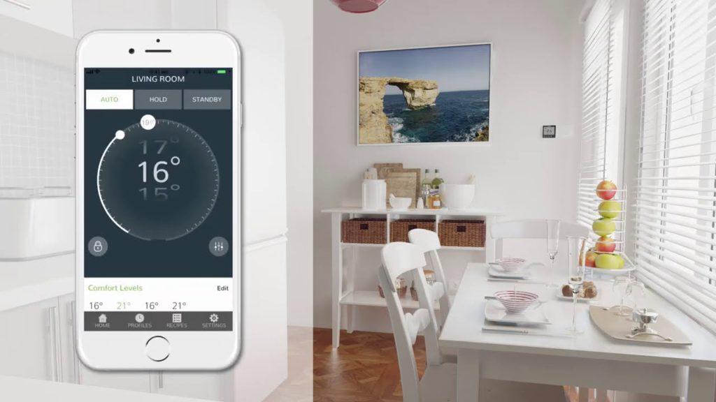 Smart underfloor heating thermostat