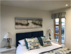 Coble Quay bedroom (c) Coble Developments